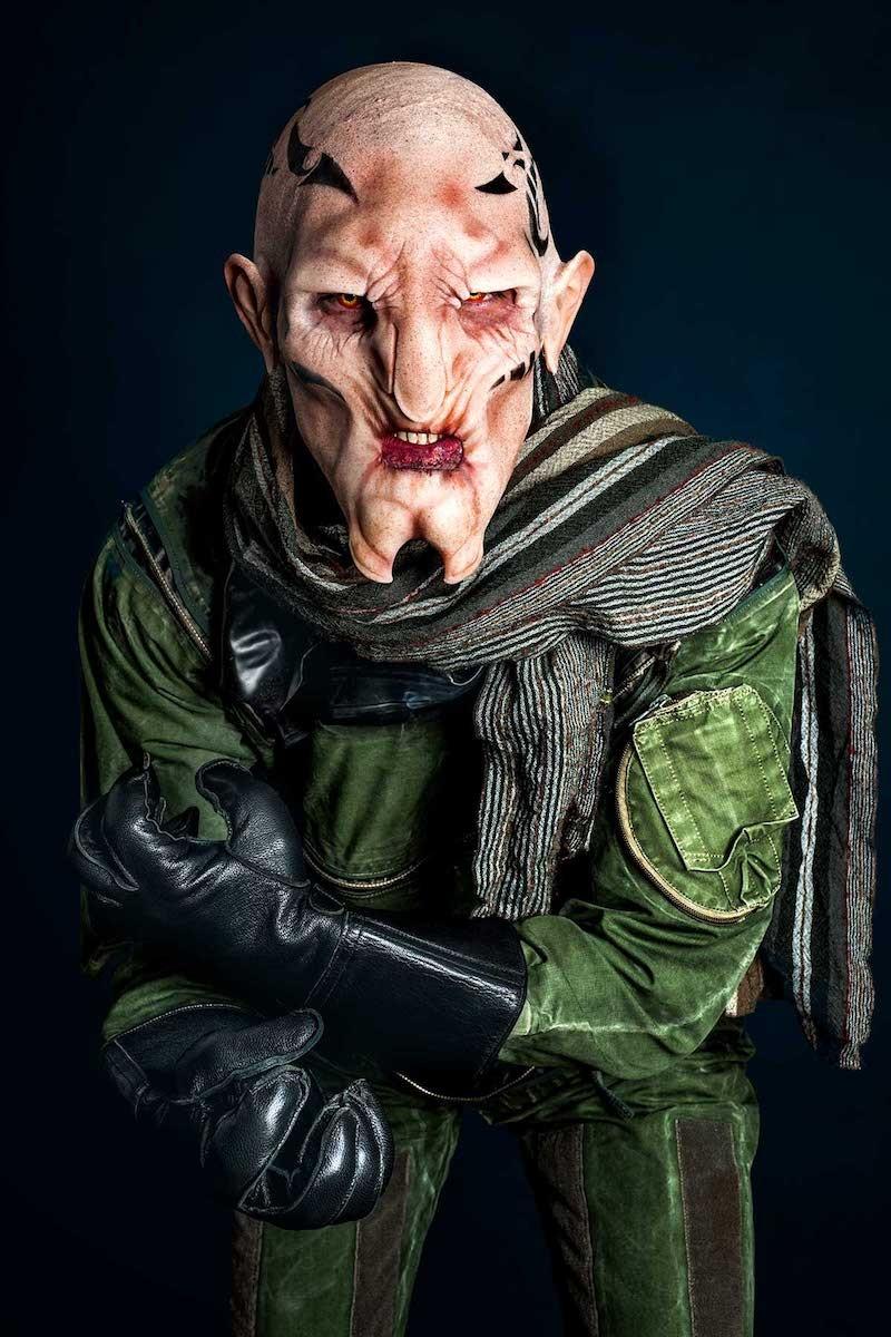 Maquillage SFX d'une créature, création et pose de prothèses, airbrush.