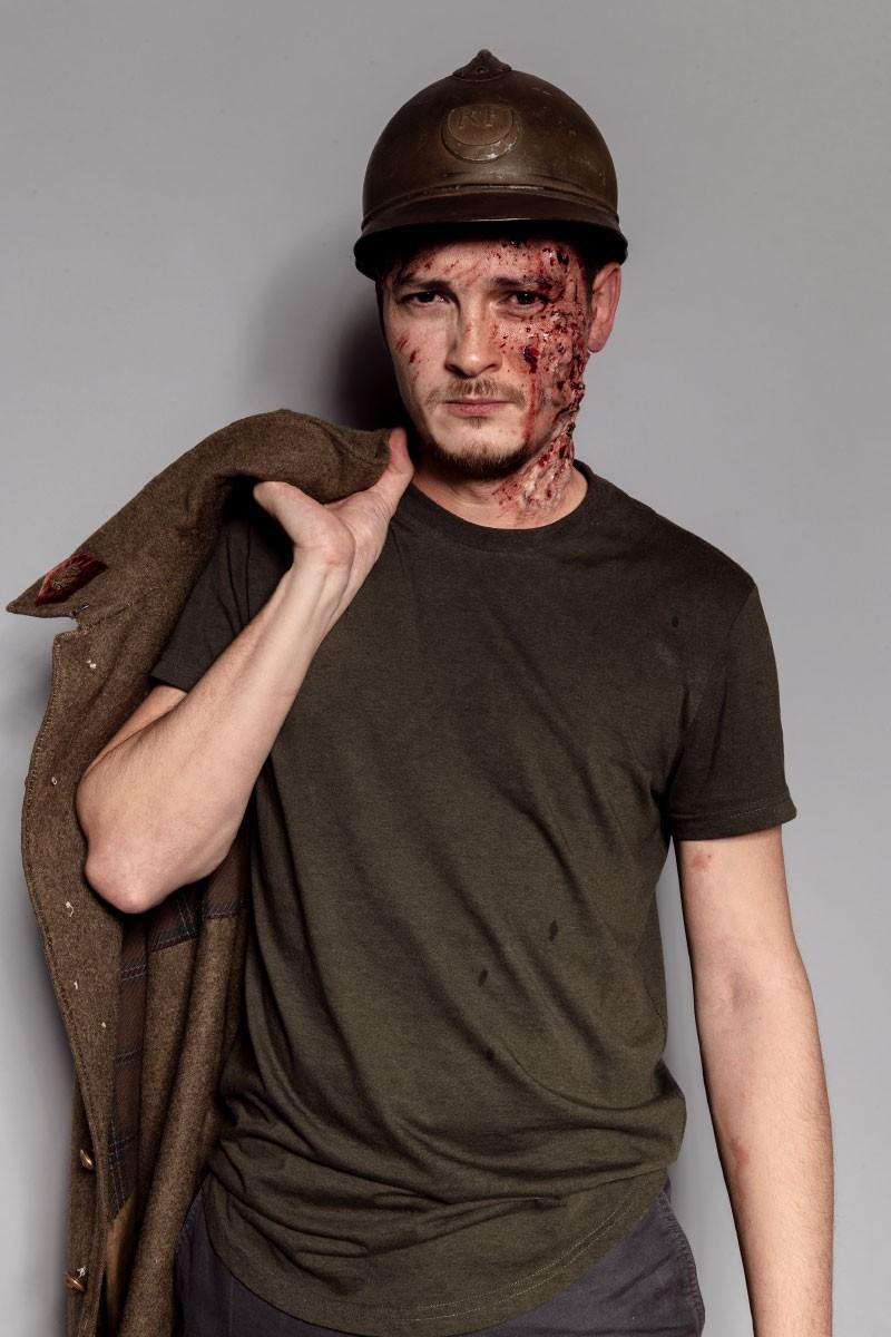 Maquillage soldat effets spéciaux : hématomes, brûlures, coupures, griffures, faux sang…